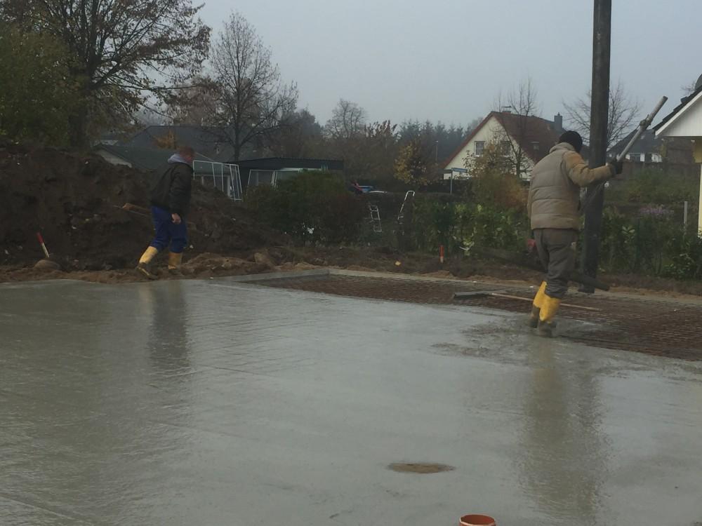 4 Baustelle Cambs Betonschüttung Bodenplatte