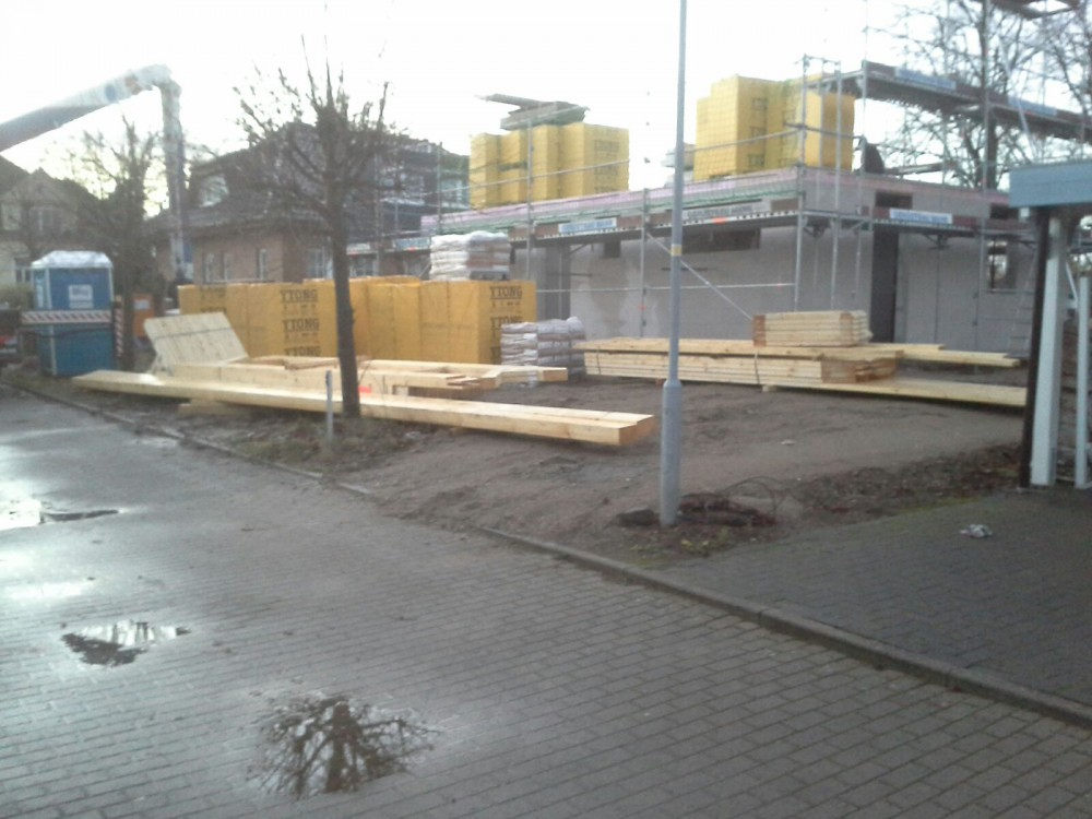 7 Baustelle Cambs Lieferung Dachstuhl